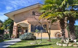 villa-giardino-casa-indipendete-due-livelli-recente-costruzione-taverna-uffici-terrazzo-brugherio-san-cristoforo
